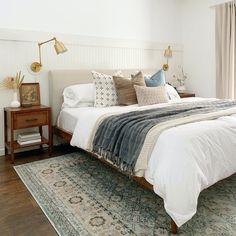 Room Ideas Bedroom, Home Decor Bedroom, Neutral Bedroom Decor, Calm Bedroom, Airy Bedroom, Cozy Master Bedroom Ideas, Neutral Bedding, Modern Boho Master Bedroom, Beautiful Bedrooms