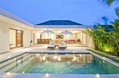 Pool In Villa Umah Kupu Kupu Seminyak Bali, the villa have 2 bedrooms private swimming pool with strategic location