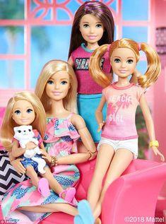 People are shocked to learn Barbie has a secret last name - Beliebt Barbie Cat, Barbie Et Ken, Barbie Dolls Diy, Barbie Fashionista Dolls, Doll Clothes Barbie, Barbie Doll House, Barbie Toys, Barbie Life, Barbie Dream House
