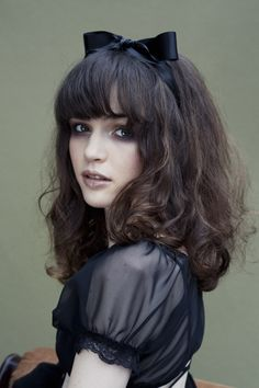 2013 Beautiful Short Inverted Bob Hairstyles Little Girl Hairstyles short hair cuts for women - Bing Images Hair hair Hippie Look, My Hairstyle, Pretty Hairstyles, Easy Hairstyles, Girl Hairstyles, Korean Hairstyles, Hairstyles Videos, Fashion Hairstyles, Hair Colors