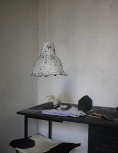 loupiote mbd, made in my studio: Suspension  100% papier blanc moucheté noir