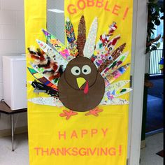 Collaborative Thanksgiving Turkey Classroom Door Decoration Collaborative Turkey Door Display for Thanksgiving Preschool Door, Preschool Bulletin, Preschool Crafts, Turkey Bulletin Boards For Preschool, Preschool Curriculum, Preschool Ideas, Kids Crafts, Thanksgiving Door Decorations, Fall Door Decorations