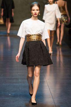 Dolce & Gabbana - Pret A Porter Milán FALL 2013. Pliegues en la falda.