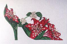 0 point de croix chaussure fleurs rouges - cross stitch shoe red flowers