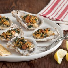 We love these cajun style oysters with Broiled Oysters with Spinach and Andouille Oyster Recipes, Cajun Recipes, Seafood Recipes, Cooking Recipes, Cajun Food, Creole Recipes, Sausage Recipes, Louisiana Seafood, Louisiana Recipes