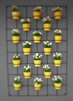 Modern and Elegant cement Vertical Wall Planter Pots Ideas Jardin Vertical Diy, Vertical Garden Diy, Vertical Gardens, Hanging Plants Outdoor, Hanging Planters, Diy Wall Planter, Planter Pots, Wall Planters, Herb Garden