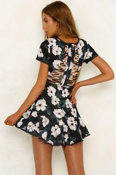 Fall So Far Dress Black