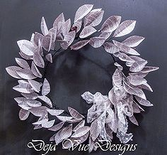 how to make book page leaf wreaths, crafts, home decor, seasonal holiday d cor, wreaths, This is a simple wreath to make and I just adore si...