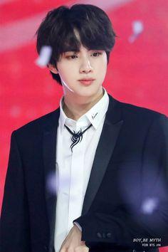never heard of em ~kim seokjin Jimin, Bts Jin, Bts Bangtan Boy, Jin From Bts, Seokjin, Kim Namjoon, Park Ji Min, Taehyung, Foto Bts