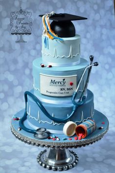 Nurse Graduation by Joy Thompson at Sweet Treats by Joy Krankenschwester-Abschluss von Joy Thompson bei Sweet Treats by Joy Nursing Graduation Cakes, Graduation Cake Designs, Medical Cake, Doctor Cake, Nurse Party, Creative Cakes, Celebration Cakes, Themed Cakes, Party Cakes