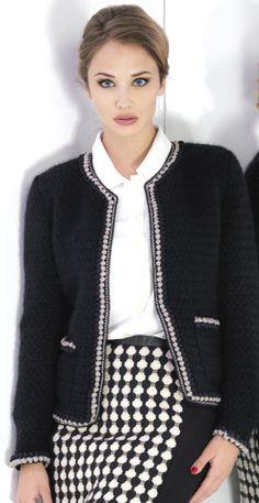 Chanel Jacket, Winter Chic, Crochet Jacket, Cute Skirts, Dress For Success, Office Fashion, Work Attire, White Fashion, Timeless Fashion