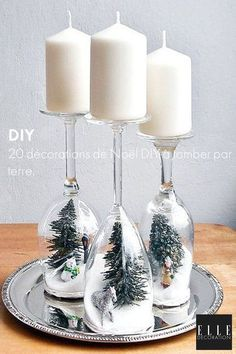 20 Most Incredible Collection Of Top Rated Christmas Wine-Glass Decor Ideas Christmas Wine, Christmas Candles, Handmade Christmas, Christmas 2019, Merry Christmas, Christmas Stairs Decorations, Deco Table Noel, Stair Decor, Navidad Diy