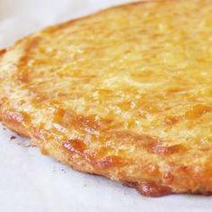gluten free pizza crust using flax, coconut flour and mozzarella... Crust: 2 cups whole milk organic mozzarella cheese, shredded 2 large organic eggs 2 tablespoons flax meal 2 tablespoons coconut flour ½ teaspoon baking powder