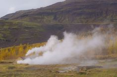 geysir geyser in iceland The Places Youll Go, Places To See, Iceland Pictures, Iceland Travel Tips, Travel Guide, Iceland Adventures, Trip Planning, Travel Inspiration, How To Memorize Things