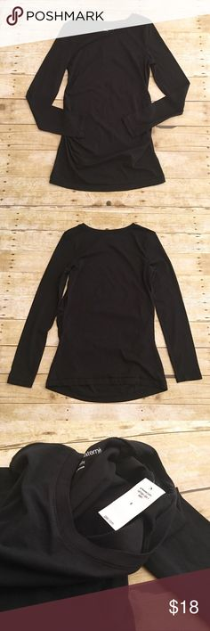 Black NWT Gap Maternity long sleeve t shirt, small Very classic and ever day top by Gap Maternity. NWT. May need a cami underneath. Very stretchy and comfortable! Total length- approximately 28.5 inches, sleeve length- approximately 25 inches. GAP Tops Tees - Long Sleeve