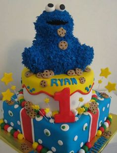 Cookie monster cake.