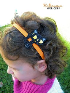 Create an easy way to accessorize for Halloween with these DIY Halloween Hair Clips