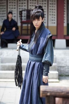 No Min Woo - Sword and Flower how can he be prettier than the main lead actress? I've come to admire the Korean androgyny sensibility. American androgyny is boyish women. Korean is beautiful men. Korean Traditional, Traditional Dresses, Korean Men, Asian Men, Asian Actors, Korean Actors, Asian Aesthetic, K Drama, No Min Woo