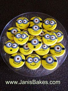 Dispicable Me Minion Cookies from www.JanisBakes.com
