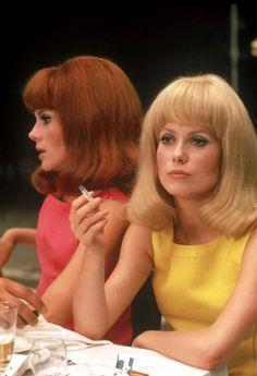 Delphine & Solange (Catherine Deneuve & Francoise Dorleac), Les Demoiselles de Rochefort 1967.