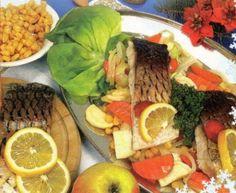 Dušený kapr se zeleninou / Smoked carp with vegetables. Carp, Fish And Seafood, Cobb Salad, Tacos, Mexican, Vegetables, Ethnic Recipes, Common Carp, Vegetable Recipes