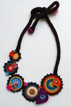 Multicolored necklace with crocheted rings by StudioKarma on Etsy Textile Jewelry, Fabric Jewelry, Boho Jewelry, Handmade Jewelry, Jewelry Design, Diy Schmuck, Schmuck Design, Crochet Accessories, Jewelry Accessories