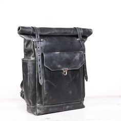 Große Leder-Rucksack Laptop Rucksack Frauen Rucksack | Etsy Leather Roll, Saddle Leather, Leather Backpack, Satchel, Crossbody Bag, Laptop Rucksack, Top Backpacks, Commute To Work, Dopp Kit