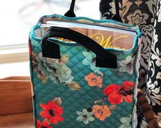 This tote is one in a new collection of library totes, each created with Pioneer Woman material. Perfect size for the Easy Sewing Projects, Sewing Ideas, Sewing Tips, Yarn Projects, Sewing Hacks, Sewing Crafts, Library Bag, Quilting, Love Sewing