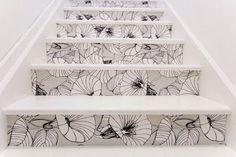 Transformer son escalier avec du papier peint