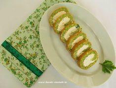 Ruladă Dukan cu brânză şi spanac Caprese Salad, Avocado Toast, I Foods, Baked Potato, Food And Drink, Potatoes, Eggs, Baking, Breakfast