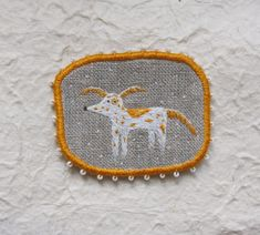 Brooch - Freckled, Funny Dogs -collection, hand embroidered | Flickr: Intercambio de fotos
