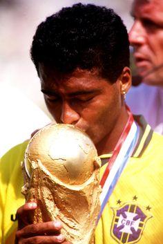 Ele disse que traria e trouxe a copa de 94 pro Brasil! Romário, 1994