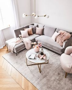 How To Decorate A Grey and Blush Pink Living Room Learn how to combine grey and pink for an amazing living room your guests will fall in love with! Get free tips and ideas for great home decor! - Grey and Blush Pink Living Room Blush Pink Living Room, Boho Living Room, Living Room Grey, Pink Room, Living Room Ideas Pink And Grey, Carpet In Living Room, Glamour Living Room, Pastel Living Room, Pink Living Rooms