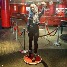 Madame Tussauds New York @nycwax still displays its first figure based on a social media celebrity. The wax museum debuted its figurine of YouTube superstar@jennamarblesin 2015.  #djmojicaphotos#travel #photography#NYC#FamousFun#NYCWAX #JennaMarbles#YouTubeStar#TimesSquare  djmojicaphotos.com