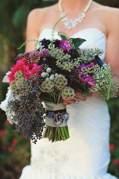 Bouquet Memory Charms, a way to honor those who won't be there