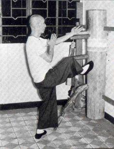 Yip Man - Wing Chun Kung Fu Grandmaster!