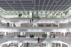 StuttgartŞehir Kütüphanesi adeta bir edebiyat tapınağıdır. Işık, boş bir düşünce odası kavramıyla tasarlanan mimarinin kalbi ve bu alanın üstünde yer alan galeri salonu ile kitap rafları için wallwasher aydınlatmasıyla ortamı var eder. Aydınlatma Merkezi, ERCO Türkiye Temsilcisi.