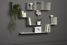 mensole in metallo di design Floating Shelves, Kids Room, Room Decor, Design, Studio, Shape, Houses, Infinite, Elegant