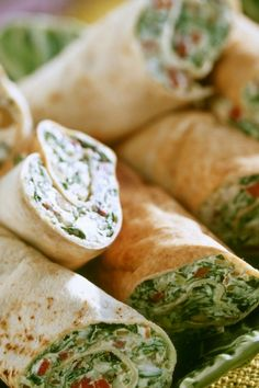 Spinat-Käse-Wraps Spinach and cheese wraps is a recipe with fresh ingredients from the Wraps category. Try this and other recipes from EAT SMARTER! Appetizer Recipes, Snack Recipes, Healthy Recipes, Pizza Recipes, Salad Recipes, Mexican Food Recipes, Beef Recipes, Grilling Recipes, Snacks Sains