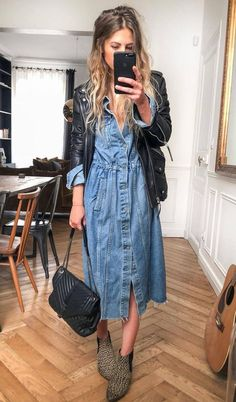 30 Comfy Winter Outfits You'll Want to Wear Them how to wear with a denim dress : biker jacket bag boots Early Fall Outfits, Cute Fall Outfits, Summer Outfits, Casual Outfits, Casual Bags, Autumn Outfits, Dress Casual, Summer Clothes, Looks Style