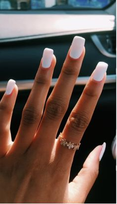 False nails have the advantage of offering a manicure worthy of the most advanced backstage and to hold longer than a simple nail polish. The problem is how to remove them without damaging your nails. Summer Acrylic Nails, Best Acrylic Nails, Summer Nails, Nail Colors For Summer, Spring Nails, Simple Acrylic Nail Ideas, Nail Ideas For Summer, Bright Acrylic Nails, Pretty Nails For Summer