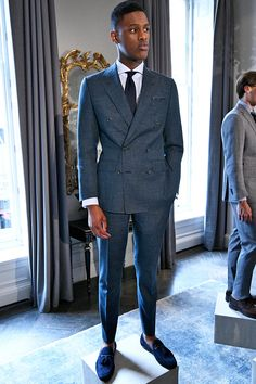 See all the Collection photos from Thom Sweeney Spring/Summer 2017 Menswear now on British Vogue Gentleman Mode, Dapper Gentleman, Gentleman Style, Mens Tailored Suits, Mens Suits, Sharp Dressed Man, Well Dressed Men, Stylish Men, Men Casual