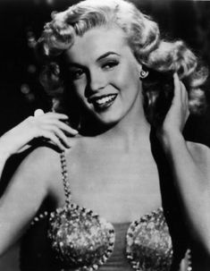 """""""I'm not interested in money. I just want to be wonderful"""" Marilyn Monroe"""