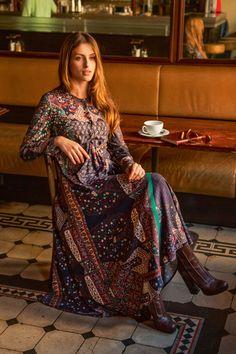 Платье отрезное по талии - выкройка № 112 из журнала 9/2015 Burda – выкройки платьев на Burdastyle.ru