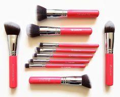 10 Piece Premium Kabuki Brush Set (Pink)