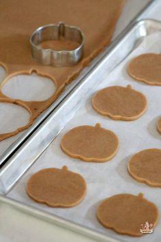 {Recipe} Pumpkin Spice Cut-Out Cookies Pumpkin Spice Cut Out Cookie Recipe _ Sweetopia Pumpkin Recipes, Fall Recipes, Holiday Recipes, Pumpkin Spice Sugar Cookies Recipe, Pumpkin Spice Cookies, Pumpkin Sugar Cookies Decorated, Fall Cookie Recipes, Pumpkin Foods, Cookie Dough Recipes