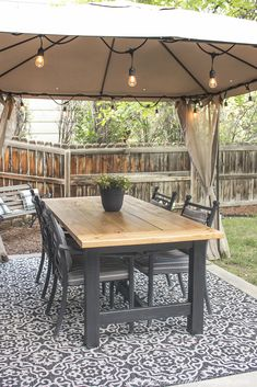 Outdoor Farmhouse Table, Outdoor Table Decor, Diy Dining Room Table, Outdoor Tables And Chairs, Outdoor Patio Tables, Deck Table, Outdoor Dining Furniture, Patio Dining, Outdoor Rugs