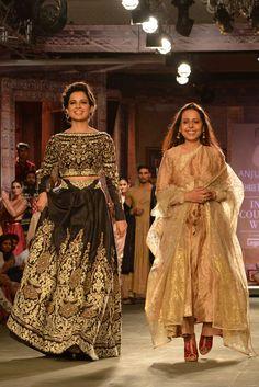Kangana Ranaut walked the ramp as show stopper for designer Anju Modi at the India Couture Week 2014.