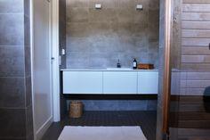 Kannustalon lato - kylpyhuone
