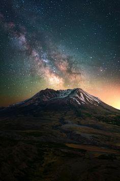 Eruption of Stars. The night sky above Mount St. Helens, Washington [OC] [800x1200] : EarthPorn